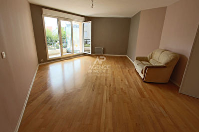 Photo n° 0 - Appartement Poissy 5 pièce(s) 104 m2