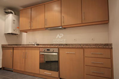 Photo n° 0 - Appartement Poissy 1 pièce(s) 45 m2- 865 €uro c.c.